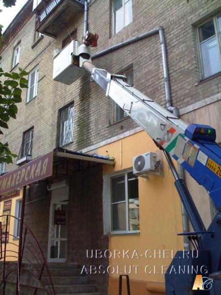 Демонтаж и монтаж водосточной трубы